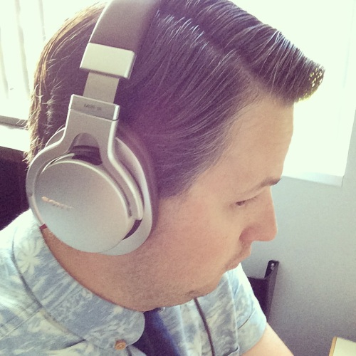 Sorry SONY, you should have picked a more attractive model to review your headphones.